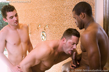 Damien Holt Gay Porn - Double penetration of Erik Rhodes - MEN of PORN