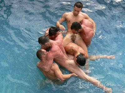 The triple penetration of Francesco D'Macho - Men of Porn