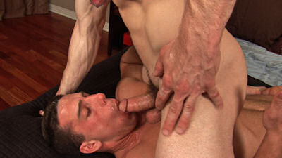 Cum_eating_seancody_02