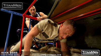 Slick_dogs_titanmen_07