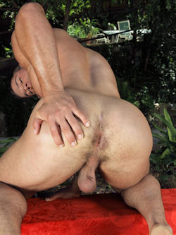 Derek_atlas_randyblue_04