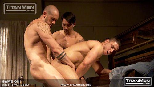 Marc_dylan_titanmen_02