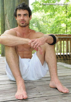Daniel_seancody_feet_sawyer
