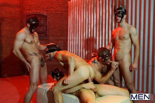 HALLOWEEN_men_masked_men_01