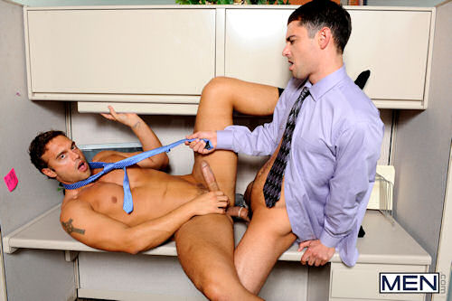 Rocco_reed_bottom_03