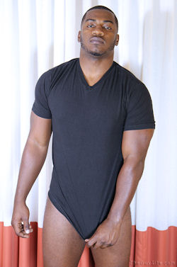 Terrance_aka_anthony_theguysite_straightfraternity_01