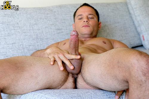 Newguy_gayhoopla_nicholasprat_02