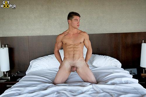Newguy_paultiller_gayhoopla_02