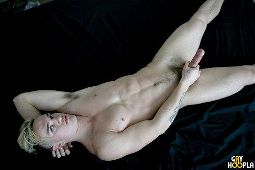 Newguy_jacksonknight_gayhoopla_02