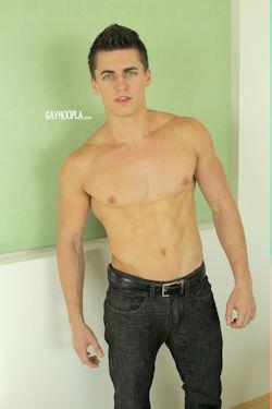 Freshmeat_jake_pavlov_gayhoopla_01