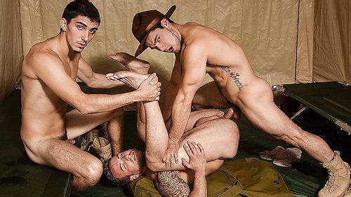 Gay_str8_tannertatum_05