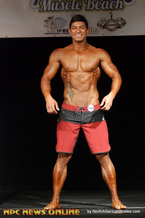 Thennow_ari_seancody_bodybuilder_02