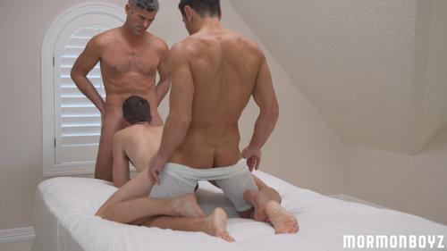Threesome_mormonboyz_01