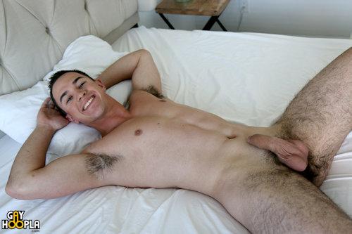 Adambosco_newguy_gayhoopla_04