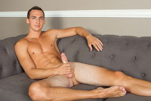 Newguy_corbinfisher_howard_01