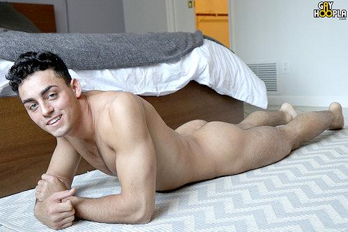 Newguy_nickharper_gayhoopla_01
