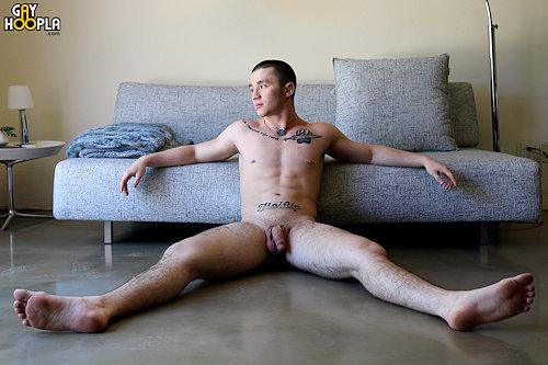 Newguy_gayhoopla_alexweber_02