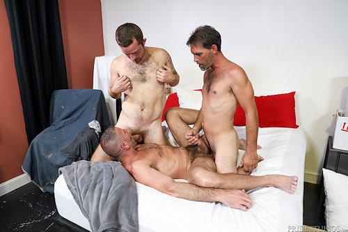 Whodiditbetter_threesome_09