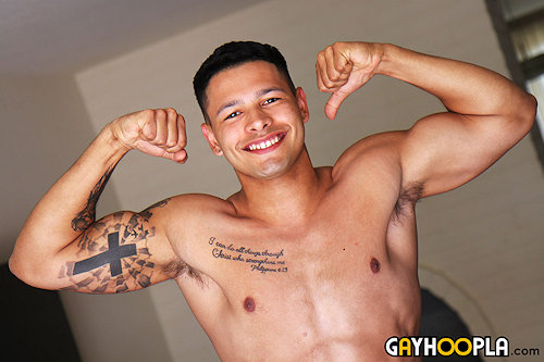 Newguy_gayhoopla_noahgato_01