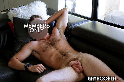 Newbie_gayhoopla_chrisboston_01